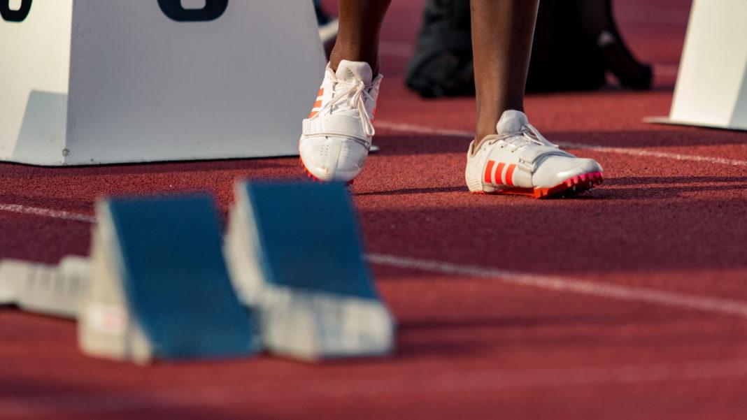 100m spikes