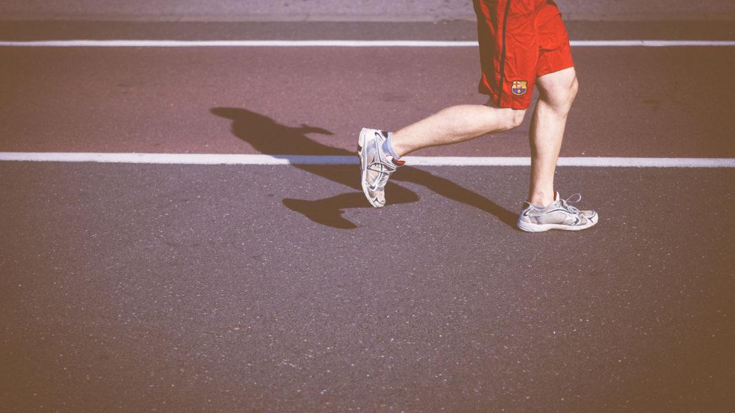 running shorts with phone pocket